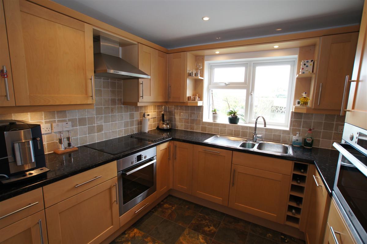 4 bedroom semi detached house for Kitchen design 4m x 4m